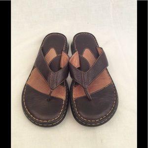 64 Off Born Shoes Boc By Born Metallic Pewter Flip