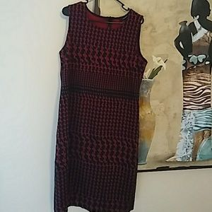 Plus size red and black sleevless dress