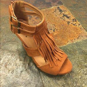 Tan brown brushed fringe sandals