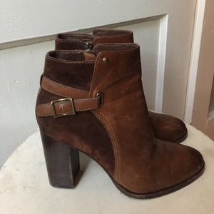 Frye Shoes - 🙅🏻RESERVED🙅🏻 FRYE Suede Leather Buckle Zip