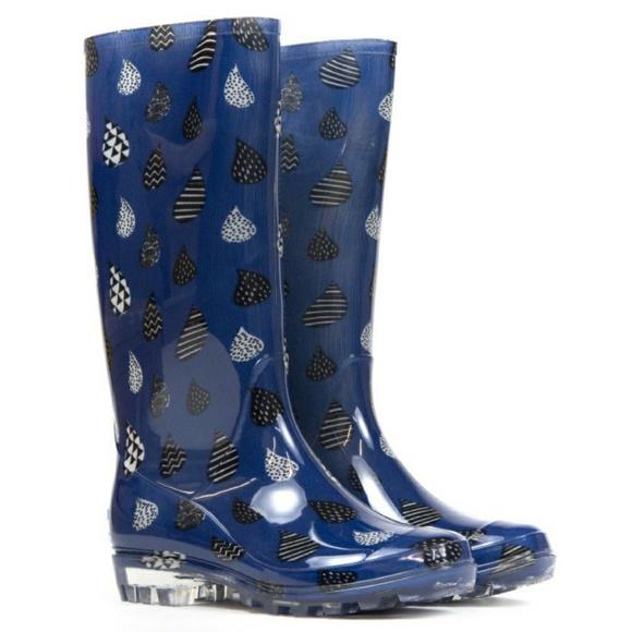 7d9c4430d65 NWOT TOMS Cabrilla Blue Raindrop Rain Boots. M 590e6afe41b4e01fe60209ad
