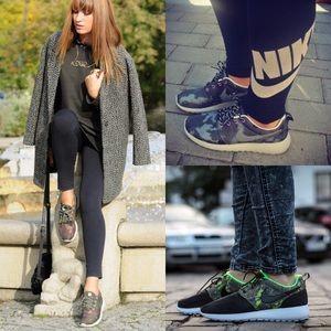NikeTeal Suede Roshe Camo Running Sneakers W8