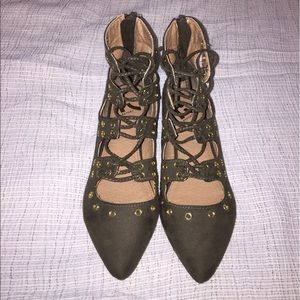 Report Shoes - BNWOB Report olive green lace up flats