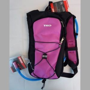 TKO Other - TKO Outdoor Hydration Bag Backpack Fits 1 Lt NEW