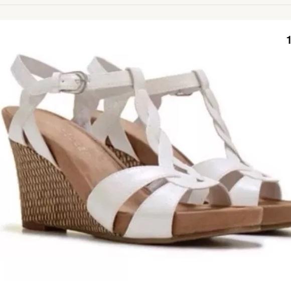 7954c5b49786 AEROSOLES Shoes - White Aerosole Wedge Sandals 11 New  69.99