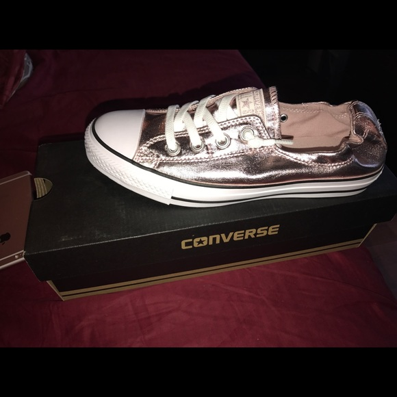 21 off converse shoes converse metallic rose gold sneakers women size 9 from just 39 s closet on. Black Bedroom Furniture Sets. Home Design Ideas