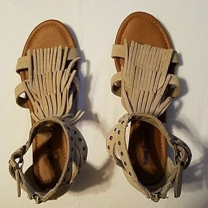 Minnie Tonka Shoes - EUC Beige Suede Fringe Sandals (price firm)