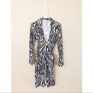 Diane von Furstenberg Dresses & Skirts - 🆕NWT Diane Von Furstenberg wrap dress SZ 8