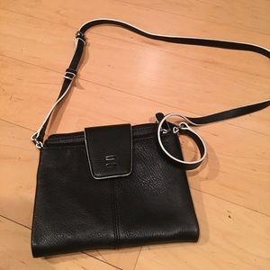 ellington Handbags - Ellington Black/white Crossbody