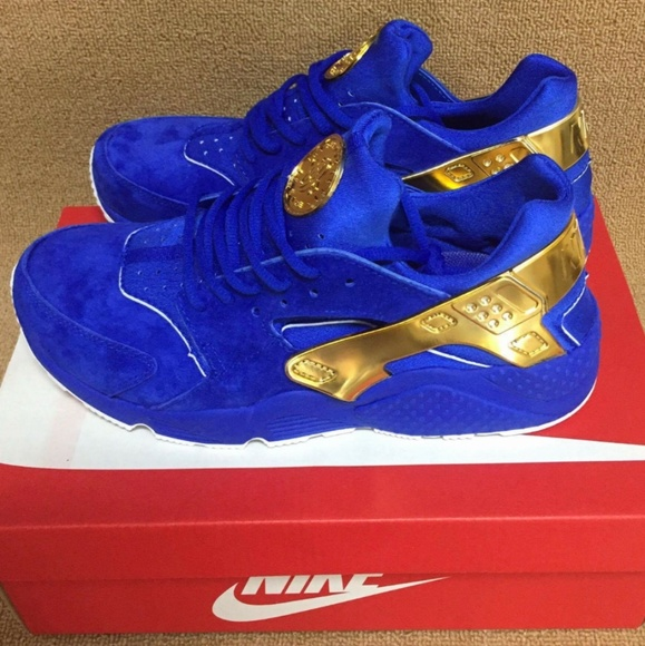 new arrival 9d4e9 63033 Blue and gold huarache NWT