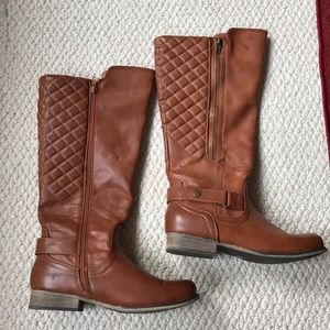 Shoes - Ladies size 7 Boots