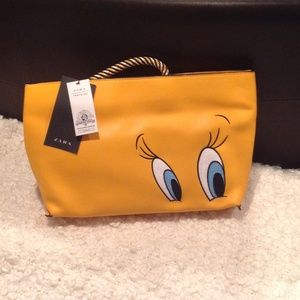 ZARA LOONEY TUNES COLLECTION CLUTCH