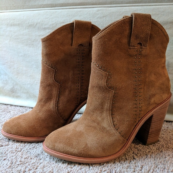 Shop joie sale at tshvirtyak.ml Free Shipping and Free Returns for Loyallists or Any Order Over $! Women's Regular Shoes. Joie Women's Lahoma Leather High Block Heel Sandals $ Sale $ (50% OFF).