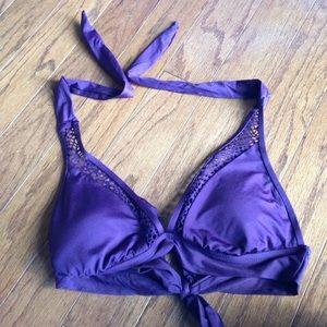 Fully adjustable straps bikini top. Like new