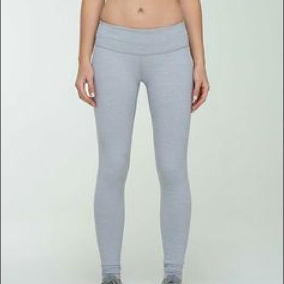 7e73bb657a lululemon athletica Pants - Rare Lululemon Heathered Grey Wunder Under