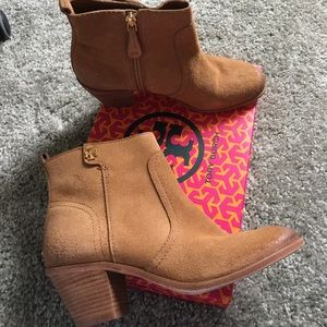 Tory Burch Shoes - 💥Flash sale💥Tory Burch Leena Bootie