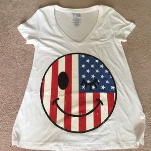 Tops - 🇺🇸HP🇺🇸Street Style white top with A flag emoji