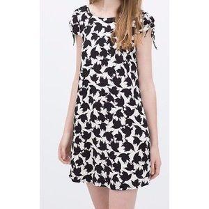 Zara Dresses & Skirts - Zara Tie-Sleeve Bird Print Dress