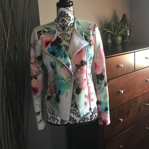 Piperlime Jackets & Blazers - 🌺Piperlime flowered jacket