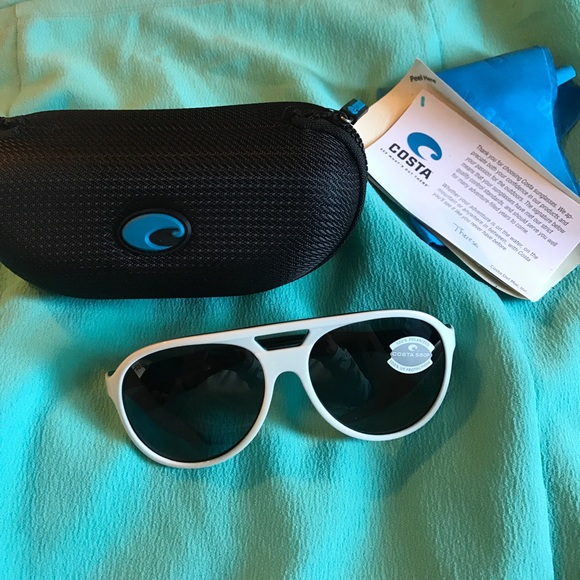 cb6b843600ab5 White Costa Sunglasses NWT ☀ 😎