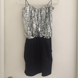 Dresses & Skirts - Sequin sparkly dress