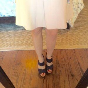 Mercer & Madison Dresses & Skirts - Fit and flare skirt💕