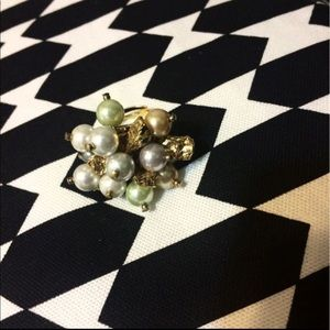 Jewelry - Pearl embellished ring