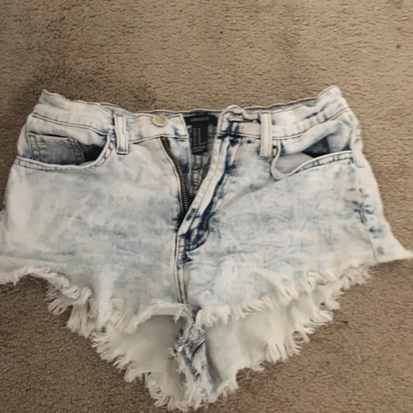 Forever 21 Pants - Mid waisted Forever 21 distressed shorts!