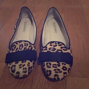 Lightly worn Ellen Tracy leopard flats with bow