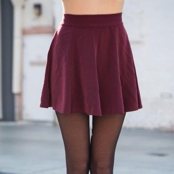 Brandy Melville Dresses & Skirts - Brandy Melville Glenna skirt in burgundy