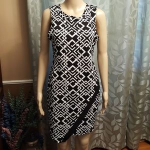 Snap Dresses & Skirts - Black & White Dress