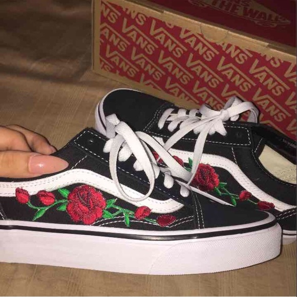 Off vans shoes old skool rose patch embroidered