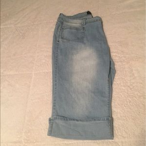 Angels light wash denim capris