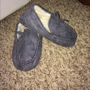Children's Place Other - Boys slippers