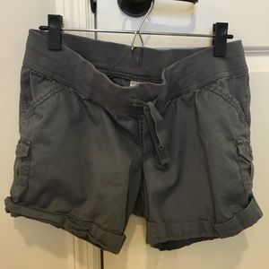 Old Navy Pants - Old Navy maternity cargo shorts, size small