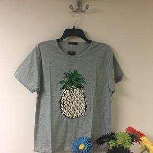 Tops - 🍍🍍🍍Super cute pineapple shirt🍍🍍🍍