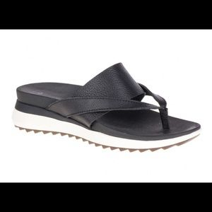 Hush Puppies Shoes - NEW Hush Puppies Black Leather Flip Flops Size 7