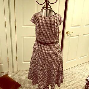 Anne Klein knit belted dress size 12 black tan