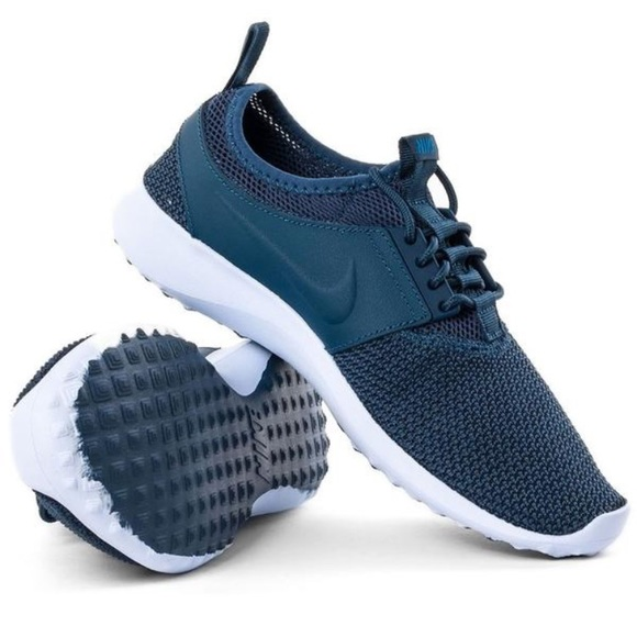 Credente tattica veleno  Nike Shoes   Womens Juvenate Txt Navy Blue Athletic   Poshmark