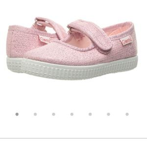 Cienta Other - Toddler size 8. Cienta. Sparkle pink Mary Janes
