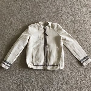 Pull&Bear Jackets & Blazers - Pull&Bear Embroided Spring/ Fall Jacket in Size M