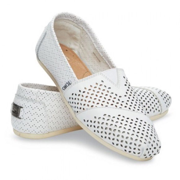 dc377beb78c TOMS White Perforated Leather Women s Classics. M 590f9c88291a350a6c0c7a3a