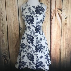 Gorgeous floral dress worn once!