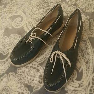 Vibram Shoes - ARAVON VIBRAM LOAFER DECK SHOE EUC BLUE AND WHITE
