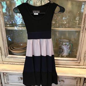 Un Deux Trois Other - Girls beautiful dress. Size 8 sleeveless worn 2x