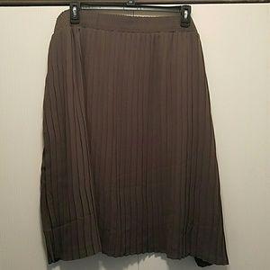 Dresses & Skirts - 🆕 Pleated Skirt