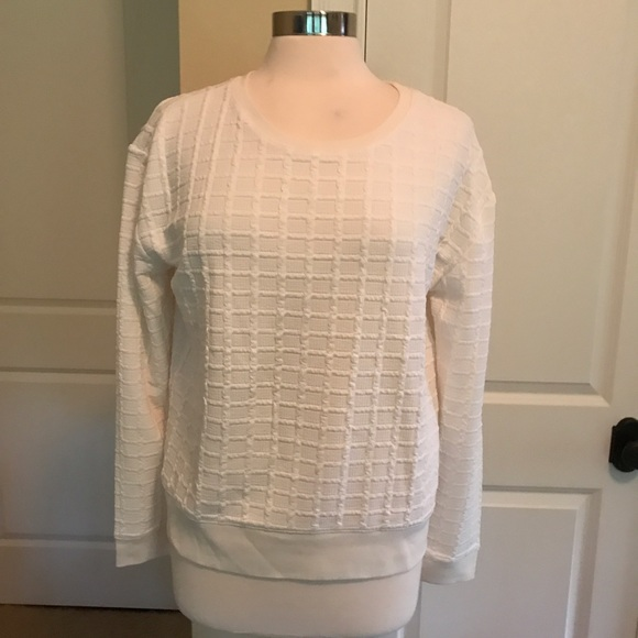 LOFT Tops - Super soft off white sweatshirt EUC Loft M