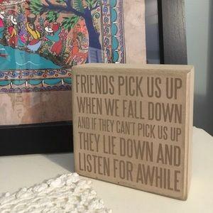 """Friends"" Shelf Decor 👯♀️"