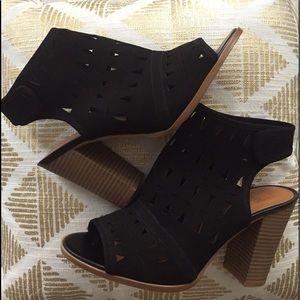 14th & union Shoes - NWOT 14th & Union Black Suede Laser Cut Sandal