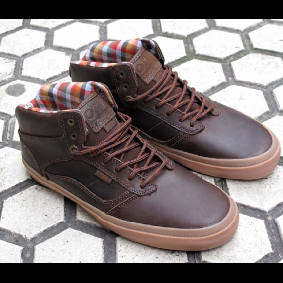7ef0152195 ❗️PRICE DROP❗️Vans OTW Bedford brown leather. M 5941ef61bf6df5643401561c